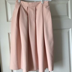 Forever 21 skirt in pink in size S
